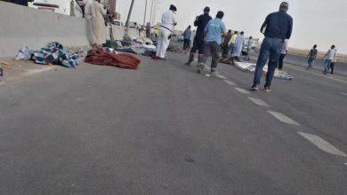 صورة صور.. 19 قتيلا بحادث مروري مروّع في مصر