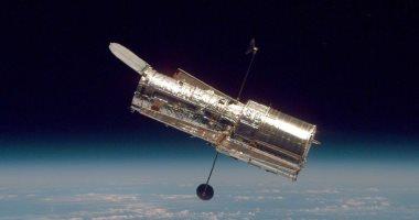 صورة تلسكوب هابل يرصد بخار ماء ثابتًا على نصف القمر الجليدى للمشترى أوروبا